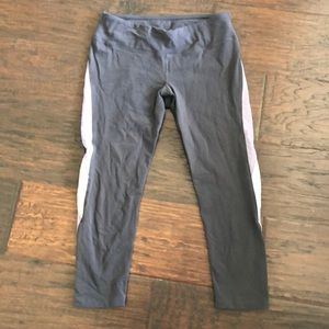 Splits 59 medium Capri leggings
